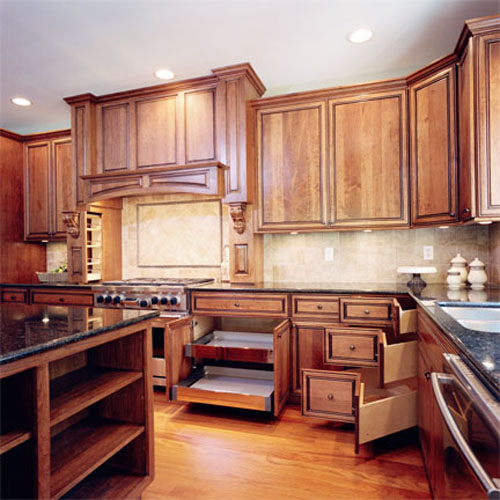 Kitchen - Custom cabinetry
